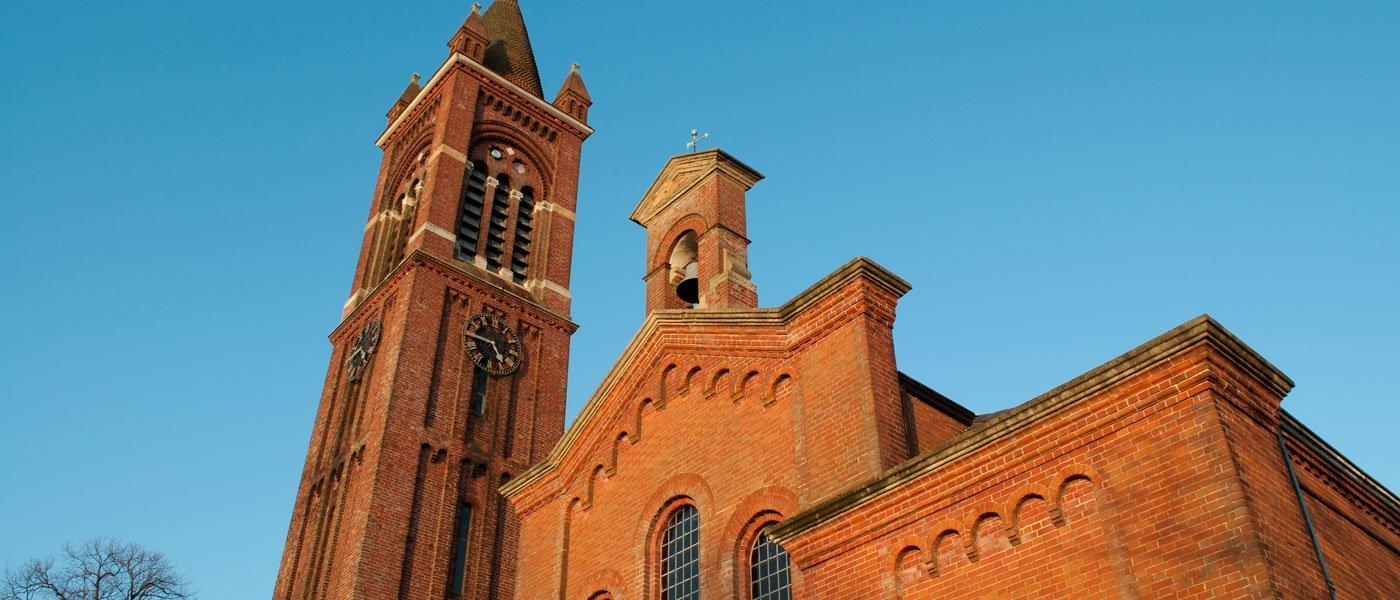 church_exterior - holy trinity church, gosport
